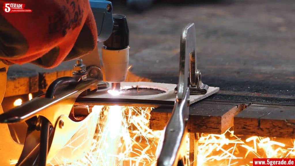 Blech mit Plasmaschneider schneiden