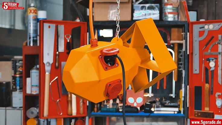 Hängeverteiler für Werkstatt selber bauen aus Stahl.