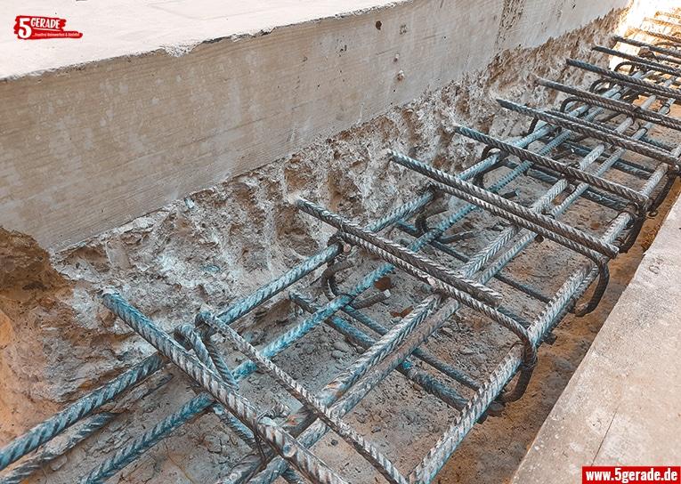Armierungseisen verstärken den Beton.