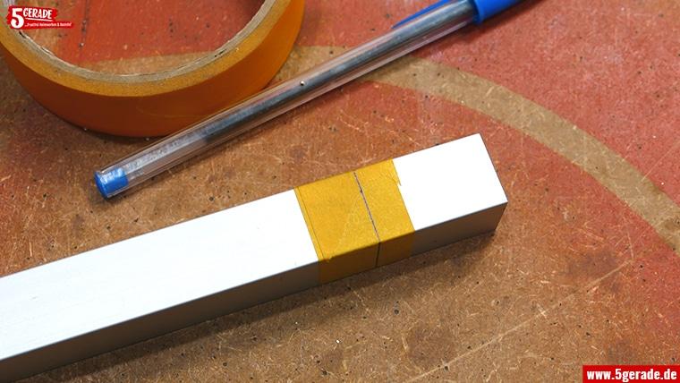 Aluprofil anreißen mit Kreppband und Kugelschreiber.